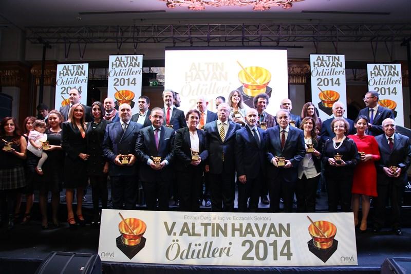 M.Ü. Eczacılık Fakültesi'ne Altın Havan Ödülü