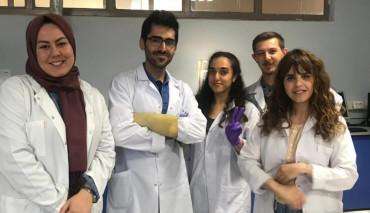 Nanoteknoloji Merkezinde Yaptığı Çalışma İle Tıp Fakültesi Öğrencisi Muhammet Enes Tasçı'ya Uluslararası En İyi Sunum Ödülü Verildi