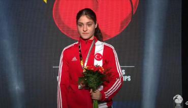 Üniversitemiz Öğrencisi Milli Sporcu Büşra Işıldar'ın Altın Madalya Başarısı
